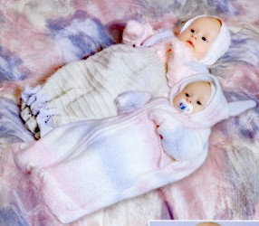 Вязание спицами для новорожденного с описанием можно найти на любой вкус